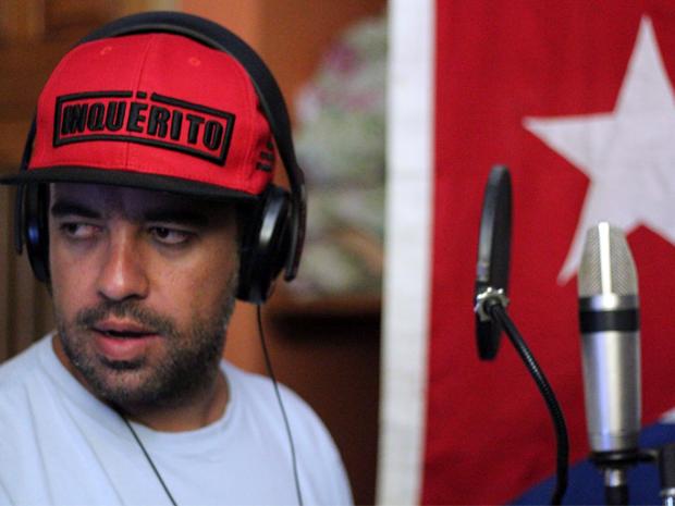 Renan Inquérito no estúdio em Havana (foto: Jéssica Balbino)