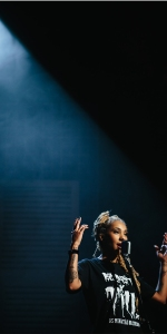 Mel Duarte representa o país em slam internacional Foto: Renato Almeida